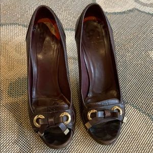 Gucci   Guccissima Brown Leather Bow Peep Toe Pump